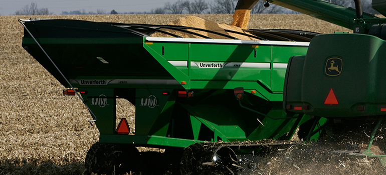 XTREME 17-Series Grain Carts